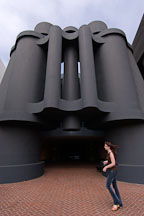 Giant binoculars at the Chiat/Day advertising agency. Venice, California, USA. - Photo #6940