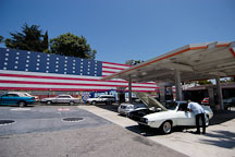 Norm's 76 gas station. Sunset Boulevard, Los Angeles, California, USA. - Photo #6411