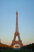 Sunrise on the Eiffel Tower. Paris, France. - Photo #31808