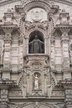 Front facade with Sacred Heart of Jesus and Apostle. Basilica Cathedral of Lima, Peru. - Photo #8781