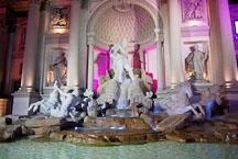Statue and fountain at Caesar's Palace. Las Vegas, Nevada, USA. - Photo #13382