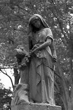 Statue. Lake View Cemetery. Cleveland, Ohio, USA - Photo #4182
