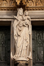Statue of the virgin Mary. Cologne Cathedral, Germany. - Photo #30685