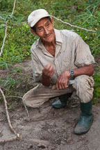 Don Anselmo, a traditional farmer. Amazon, Peru. - Photo #8986