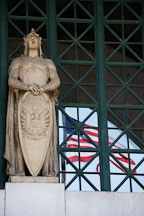 Statue soldier with shield. Union Station. Washington, D.C., USA. - Photo #11187