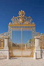 Golden gate of the Palace of Versailles. Versailles, France. - Photo #31788