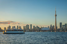 Ferry heading to Queen's Quay terminal. Toronto, Canada. - Photo #33089