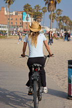 Bicyclist, Venice, California, USA. - Photo #7465