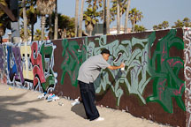 Graffiti artist. Venice, California, USA. - Photo #7453