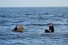 Two surfers waiting for the wave. Venice, California, USA. - Photo #7451