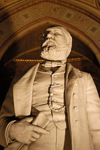 Statue of president James A. Garfield. Garfield monument, Lake View Cemetery, Cleveland, Ohio, USA - Photo #4190