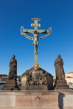 Statue of the Crucifixion on the Charles Bridge. Prague, Czech Republic. - Photo #29490