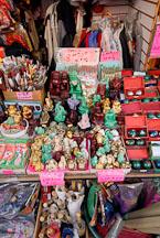 Statuettes for sale. Chinatown, San Francisco, California, USA. - Photo #12591