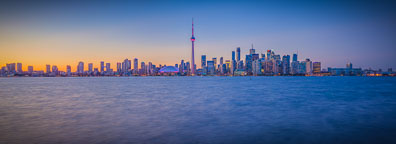 Toronto skyline panorama at dusk. - Photo #33093