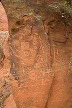 Several geometric and anthropomorphic figures. V-Bar-V Ranch, Arizona, USA. - Photo #17797