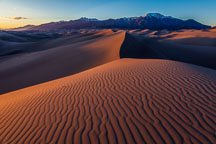 Red dunes at sunset. Great Sand Dunes NP, Colorado. - Photo #33197