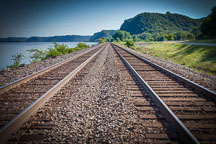Train tracks by the Mississippi river, Wisconsin. - Photo #32997
