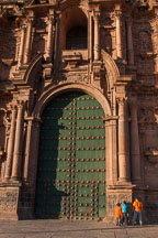 Boys playing hide and go seek in front of the cathedral.Plaza de Armas, Cusco, Peru. - Photo #9298