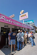 Pink's famous hot dog restaurant. Los Angeles, California, USA. - Photo #8098