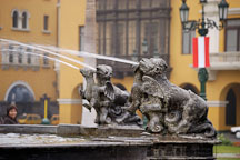 Fountain in Plaza Mayor. Lima centro, Peru. - Photo #8801
