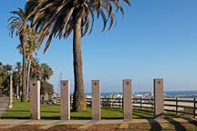 Santa Monica Veterans Memorial. Palisades Park, Santa Monica California, USA. - Photo #8217